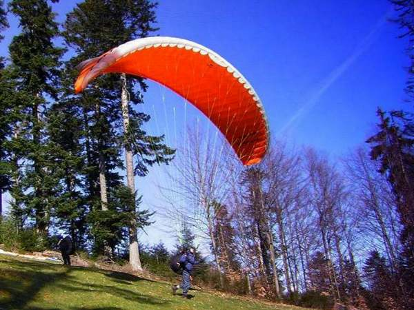 Paraglider takes to the air